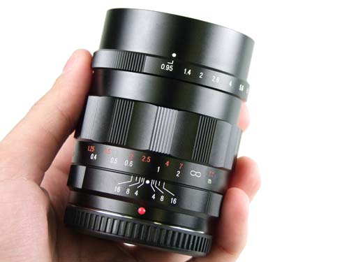 Voigtlander 25mm F0.95 Lens for Micro Four Thirds