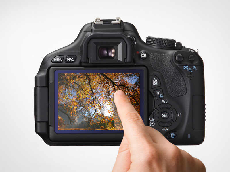 Canon 650D the predecessor of Canon's first Compact System Camera - Touch Screen